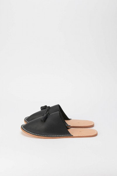leather slipper-black